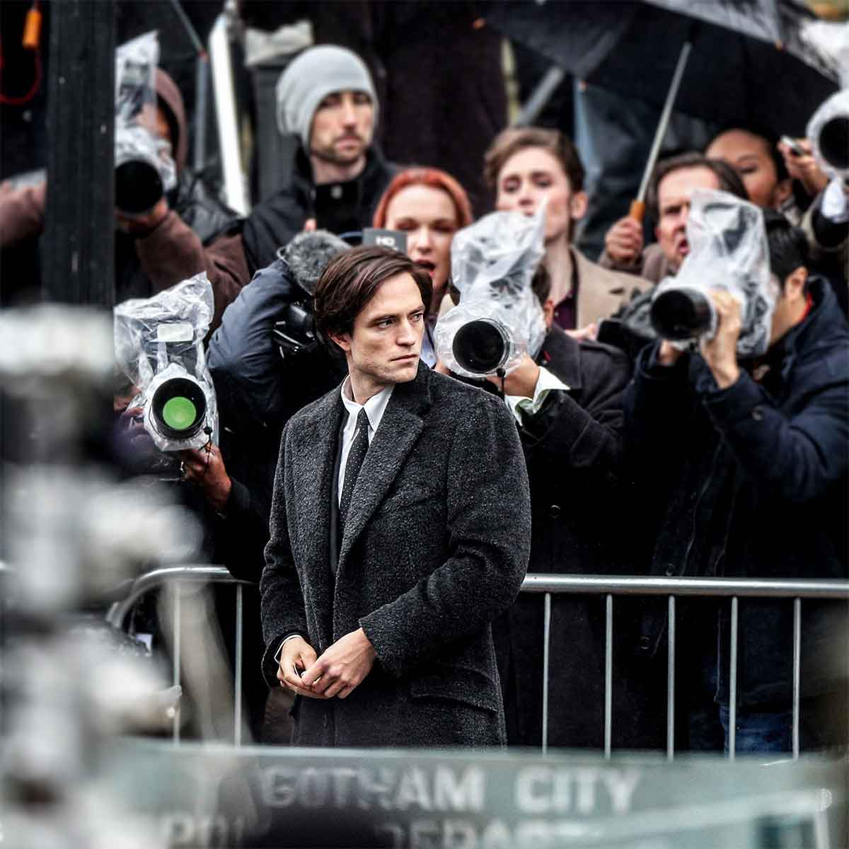 Filtered images of the return of Robert Pattinson to the filming of the Batman