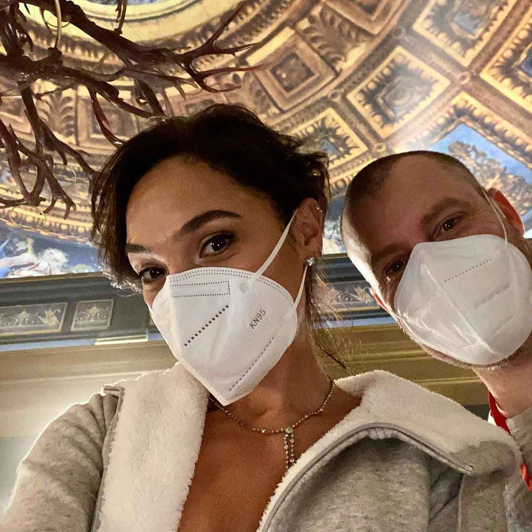 Gal Gadot shares tons of photos from Netflix movie Red Notice